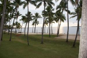 Start of a Fijian sunset