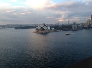 As I made my way back over the bridge the sun began to rise and I was in awe of the Opera House from this vantage point.